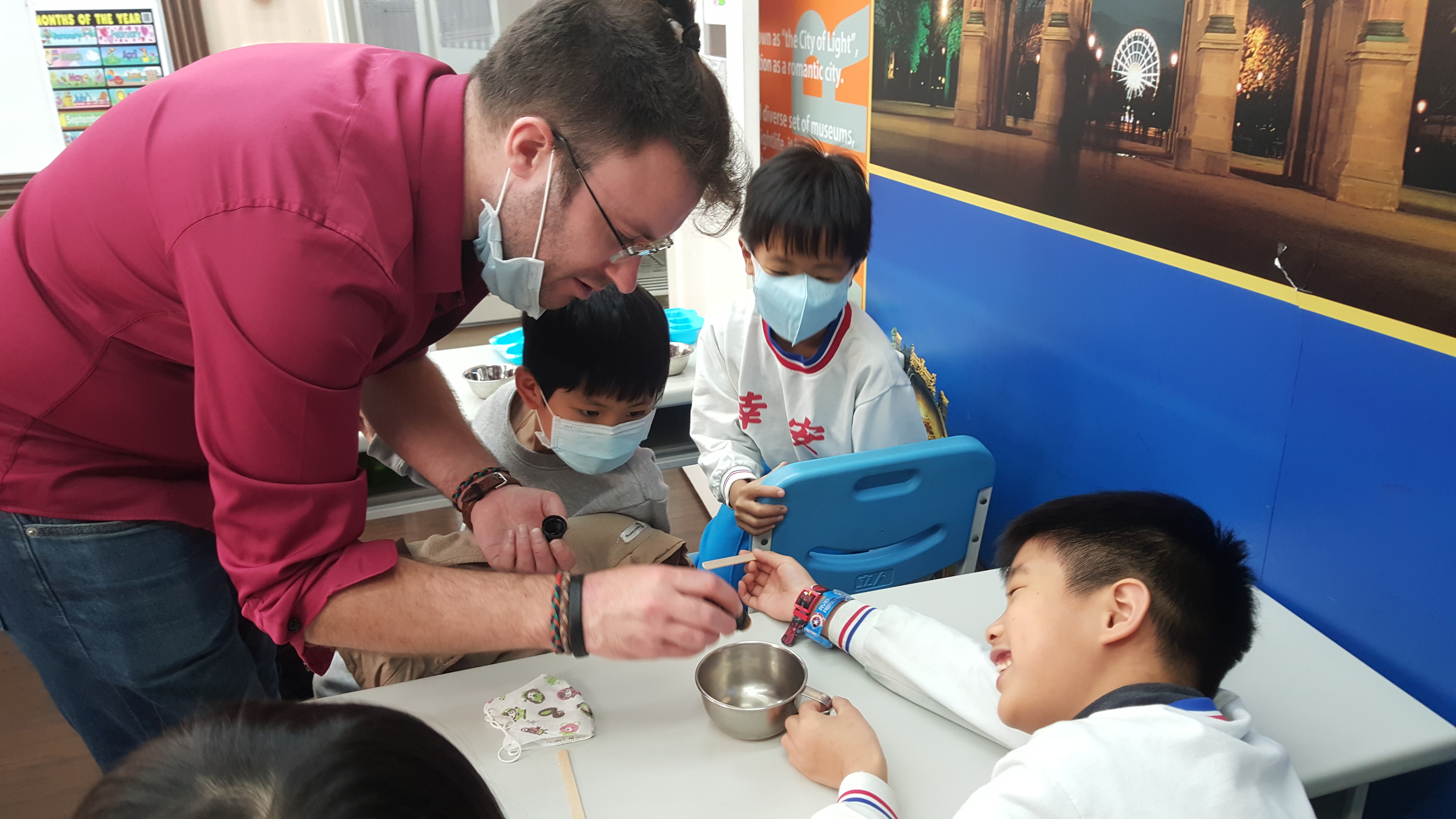 Teaching English and Living in Taiwan Jobs Available 教學工作, American Eagle Institute, Xinyi-Xinsheng Branch  We offer At least 20 hours per week, ARC, National Health & Labor Insurance. Small classes around 10~14 students per class. image