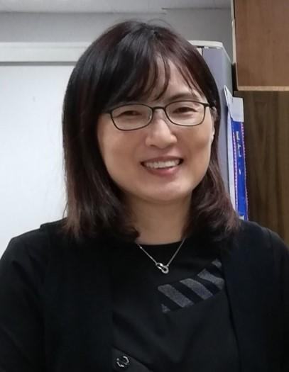 Teaching English and Living in Taiwan, An Experienced English university teacher with national Mandarin teaching certificate image