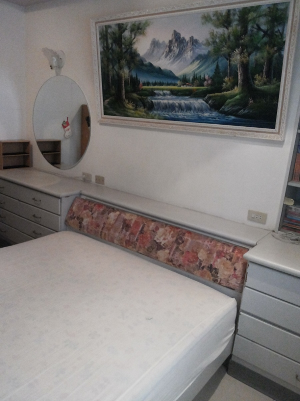 Teaching English and Living in Taiwan Apartments to Share, Furnished Room  Available.  image