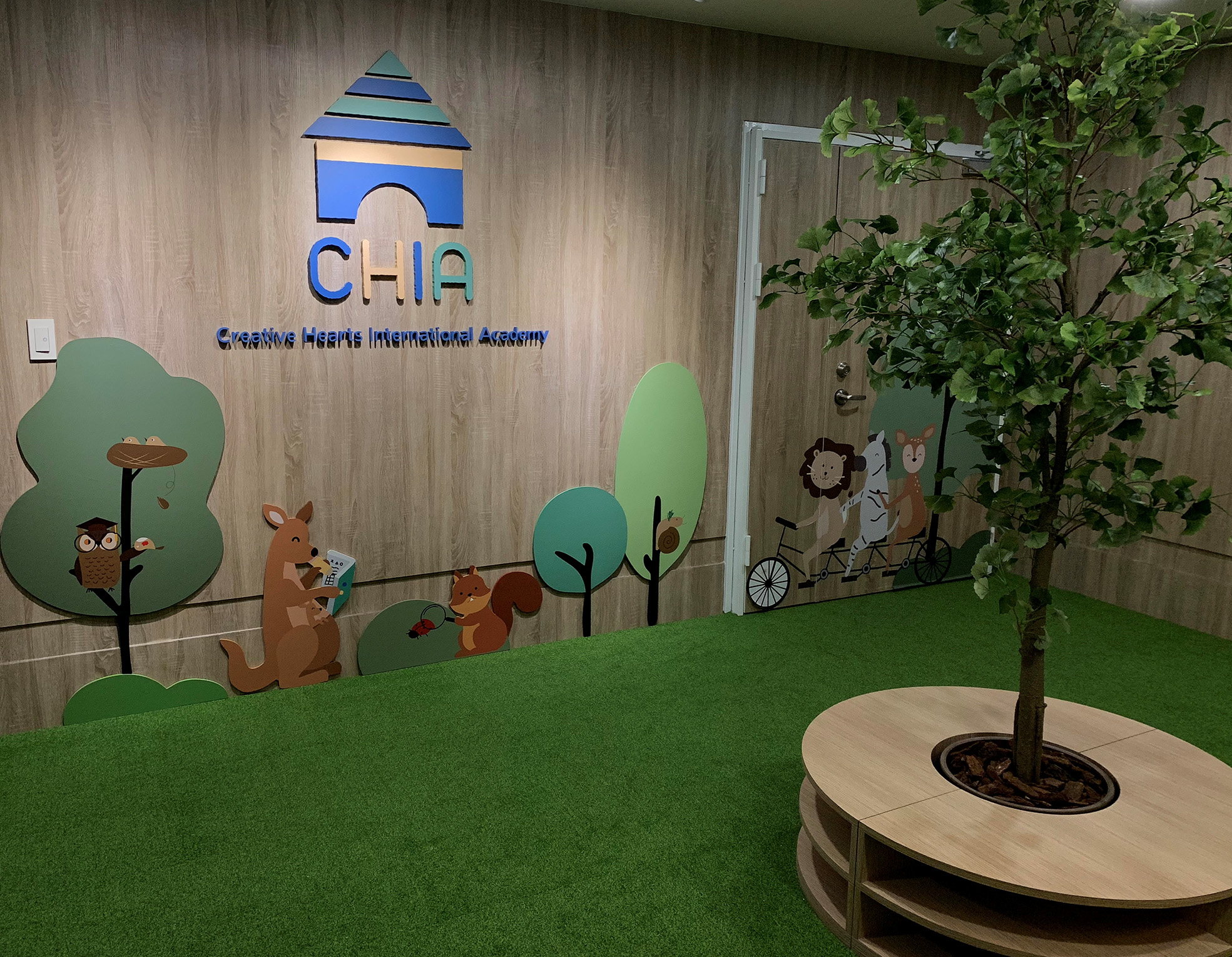 Teaching English and Living in Taiwan Jobs Available 教學工作,  Creative Hearts International Academy (CHIA) is now hiring: Early Childhood Educators / Preschool Teachers! *Starting Package ~ 100,000 NTD image