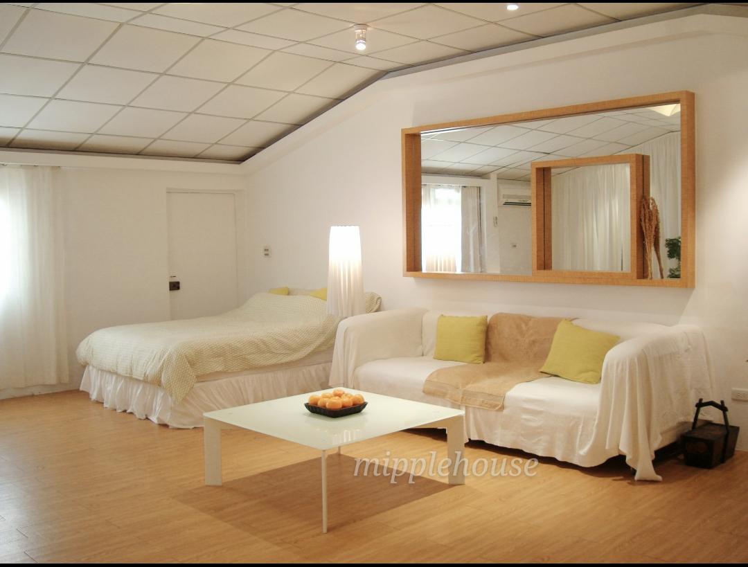 Teaching English and Living in Taiwan Apartments for One Person, Xinyi District, Near Taipei 101, Xiangshan & Yongchun  MRT, Loft Penthouse studio image