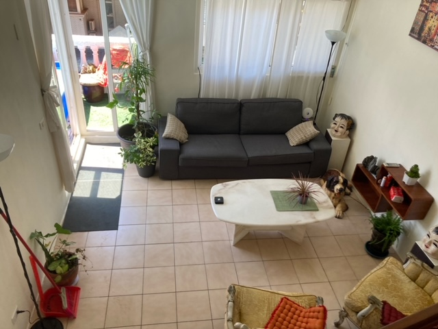 Teaching English and Living in Taiwan Apartments to Share, Spacious house in Xindian image